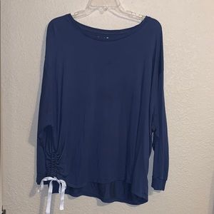 Long Sleeve Side Scrunch Top